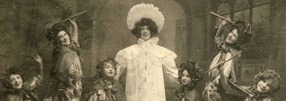 Frances Venita Grey and her dancing girls performed at the Star Theatre in September 1907.